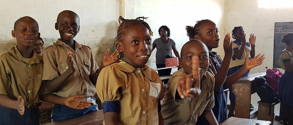Barn på skole i Kongo