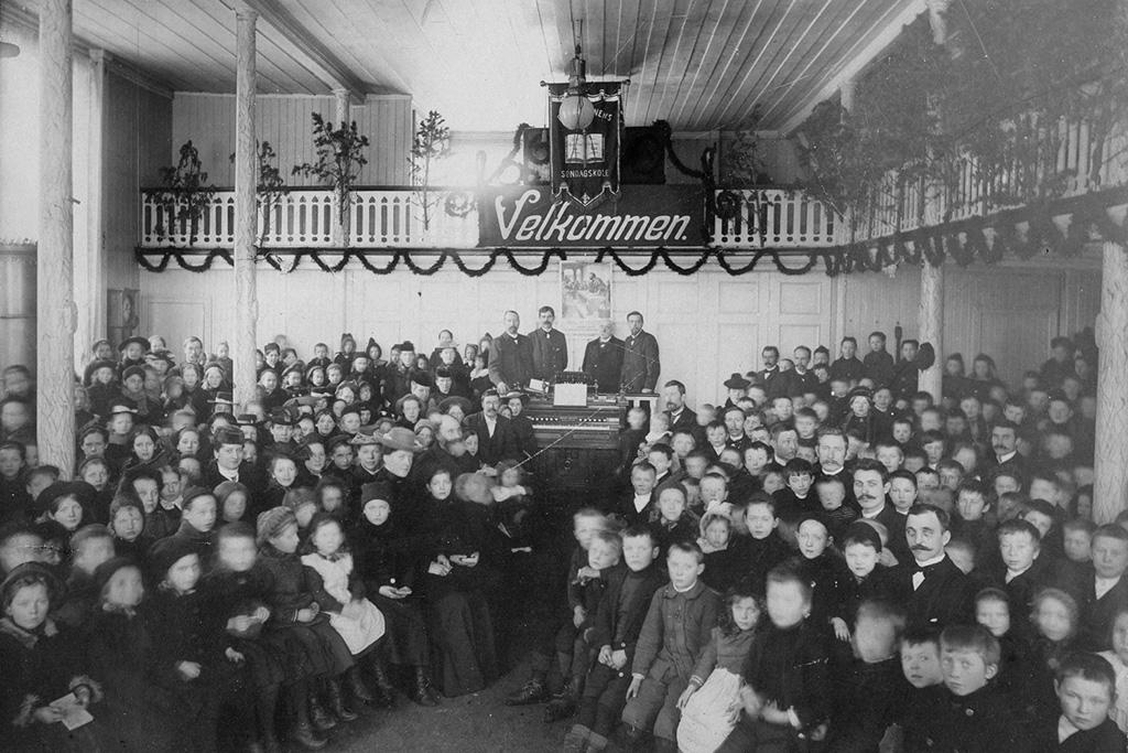 Bilde av søndagsskolen i Tromsø i 1903.